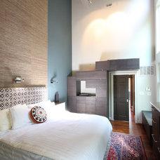 Modern Bedroom by Liquid Design