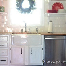 Before and After Pictures of our Kitchen Makeover {without mouse over effect!} |