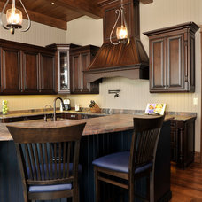 Traditional Kitchen Cabinets by Cuisine Ideale