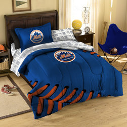 Northwest Co. - MLB New York Mets Twin Bed in Bag Set - Make your room announce your love for Americas favorite pasttime sport.  Our MLB 5 piece Bed in a Bag Sets make an ideal central point for all your other team gear.  Whether game night or just another night for sleeping, the bold and large applique logo stands out against the solid color background and baseball stitching motiff, making quite the impression. This polyester/cotton blend set comes with 1 sham, 1 pillowcase, 1 flat sheet, 1 fitted sheet and 1 applique comforter.