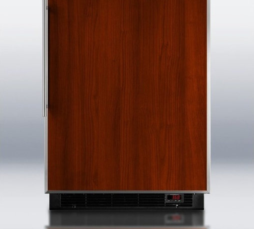 BI605BFFFR Built-in refrigerator-freezer with auto defrost, black cabinet, and s - Solid construction meets great value in SUMMIT's BI605BFFFR, a built-in capapble refrigerator-freezer designed for full convenience under counters.
