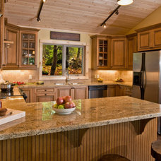 Traditional Kitchen Cabinetry by Kitchen Cabinet Kings