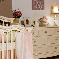 CLEOPATRA Collection - Baby setting shown in Bianco Satinato.