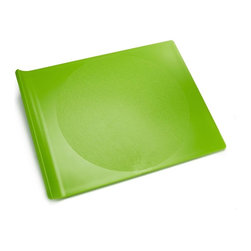 G&F - Cutting Board, Apple Green, Small - Preserve cutting boards are dishwasher safe and made in the USA from 100% BPA free, recycled #5 plastic. The unique curve of the Cutting Board handle makes food transfer easy and its surface is gentle on knives.