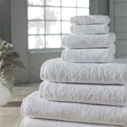 Salbakos Arsenal 8-piece Quick Dry Turkish Towel Set - Nothing says clean and fresh more than a dozen fluffy white towels rolled and stuffed in a wire basket — and no one needs to know they're actually just for decoration.