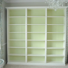 """Not So Newlywed McGees: """"Built-in"""" Bookshelves"""