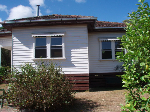 Exterior color scheme for our 1940 - Red Roof Exterior Wall Colour Combinations's weatherboard terracotta tiled ...