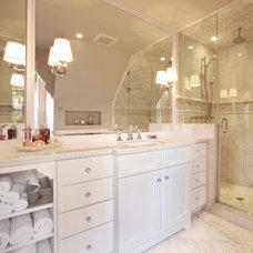 Traditional bathroom | CABICO