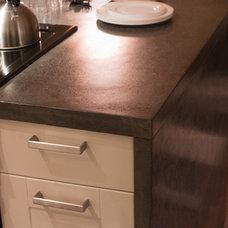 Modern Kitchen Countertops by Concrete Cat Inc.