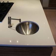 Kitchen by Studio 3 kitchens