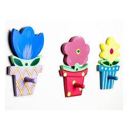 Danya B - Set of Three Wall Mount Resin Whimsical Wood Flower Pots with Hook - This gorgeous Set of Three Wall Mount Resin Whimsical Wood Flower Pots with Hook has the finest details and highest quality you will find anywhere! Set of Three Wall Mount Resin Whimsical Wood Flower Pots with Hook is truly remarkable.