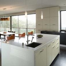 Modern  by Barker O'Donoghue Master Builders
