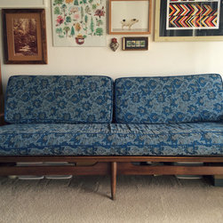 Furniture For Sale - Aysis Vintage, located in Ypsilanti Michigan. Outside of Ann Arbor - sofa and two chairs for sale as a set.