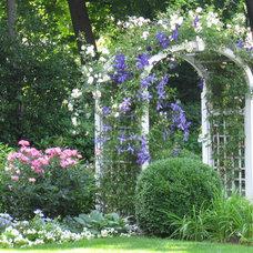 by Elaine Yellen Landscape Design, LLC