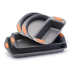 Rachael Ray - Rachael Ray Bakeware Oven Lovin' 5-Piece Set - Create delicious pastries using this five-piece Rachael Ray bakeware set. Each nonstick piece has a dishwasher-safe exterior. Made of aluminum, the cookware is oven-safe to 500 degrees. The set has two cake pans, a loaf pan, and two baking pans.