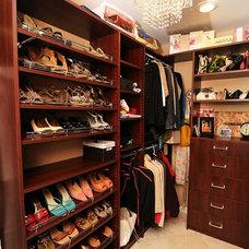Traditional Closet by Brooke Eversoll, CKD, CBD