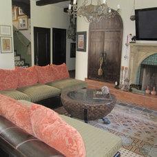 Mediterranean Living Room by www.LUXURYSTYLE.es