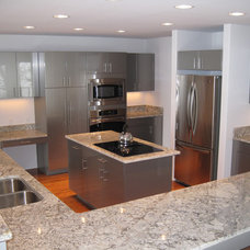 Modern Kitchen by Selle Valley Construction, Inc.