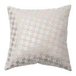 "Best Home Fashion - Large Houndstooth Metallic Foil Printed Velvet Pillow - 18"" x 18"", Silver - This gorgeous metallic foil printed houndstooth velvet pillow is the perfect decor piece for any sofa, chair or bed."