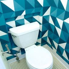 Contemporary Bathroom by Créama Buscaro