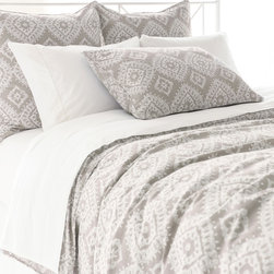 """Pine Cone Hill - PCH Ramala Gray Duvet Cover - Modern style meets globally-inspired design on the PCH Ramala duvet cover. Embodying eclectic sophistication, this bedding's cream diamond pattern excites across a gray background. Button closure; Machine wash; Enzyme washed; Insert not included; Available in twin, full/queen and king sizes; Due to the handcrafted nature, color variations may occur; Designed by Pine Cone Hill, an Annie Selke company Twin: 68""""W x 88""""H; Full/queen: 88""""W x 88""""H; King: 102""""W x 92""""H"""