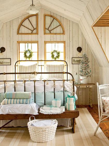 Coastal Master Bedroom - MyHomeIdeas.com
