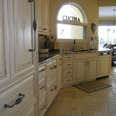 traditional kitchen cabinets by Gem Cabinets Ltd - Michelle Yaworski