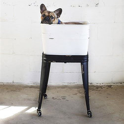 Old-School Washtub On Stand - Our farmhouse dreams come to life with this metal washtub stand. Metal casters make it mobile, so you can place it anywhere in your bathroom or washroom. It's also a fun way to store extra towels for guests.