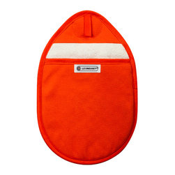 Le Creuset - Le Creuset Potholder - With more coverage than typical round pot holders, this effective design features the dual protection of durable exterior canvas and a soft interior cotton lining, and includes an embedded magnet for easy storage on appliances.