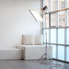 Modern Floor Lamps by Si-Huis