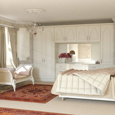 Traditional Bedroom by Wren Kitchens