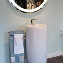 Electric Mirror Showroom -