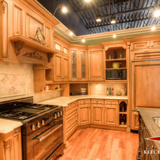 Traditional Kitchen Cabinets by Kitchen Court