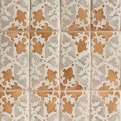 Duquesa Alexandra Field Tile in Ambra - Ceramic and Terracotta