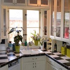 R Fahler's Butler Pantry...Before Kitchen.jpg