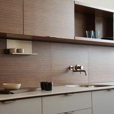 Modern Kitchen by Henrybuilt