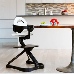 Svan - Svan Signet Complete High Chair - The Signet Complete High Chair makes mealtime easy and enjoyable for baby and parent alike. Signet seats children up to the table for enjoyable interaction with the rest of the family, turning mealtime into family time!