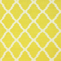 Nuloom - nuLOOM Moroccan Trellis Flatweave Kilim Yellow Wool Rug (5' x 8') - One of the most popular rug styles preferred by decorators is kilim rugs made in India. These rugs are flat woven which means they do not have a pile.
