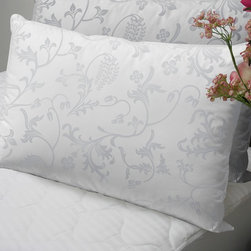 None - Floral 370 Thread Count Standard-size Down Alternative Pillows (Set of 2) - Enjoy the comfort of down without risking an allergy flare-up with these standard-size down-alternative pillows. Each pillow is made with a luxurious 370-thread-count sateen cotton and filled to provide firm support for your neck and shoulders.