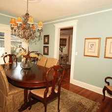 Traditional Dining Room by Javic Homes