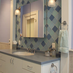 eclectic bathroom by Grossmueller's Design Consultants