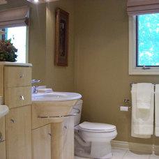 Contemporary Bathroom by Stephanie O'Leary, Style By Stephanie