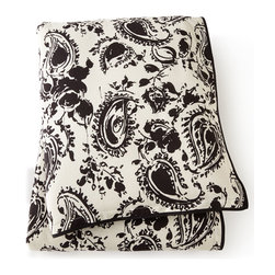 """Ralph Lauren Home - King Paisley Comforter 110"""" x 96 - Ralph Lauren HomeKing Paisley Comforter 110"""" x 96""""Designer Please note: items that are part of the Ralph Lauren Home Collection are not available at any discount and will be removed from our site during sale events.About Ralph Lauren Home:The first designer to create an all encompassing collection for the home Ralph Lauren Home debuted in 1983 and provides a comprehensive lifestyle experience featuring complete luxurious worlds. Whether inspired by timeless tradition or reflecting the utmost in modern sophistication each of the collections is distinguished by the enduring style and expert craftsmanship of Ralph Lauren. With creative vision and impeccable design Ralph Lauren Home offers both transporting seasonal collections and enduring classics. Inspiration is drawn from English country estates the natural tones and textures of the desert or the spirit of adventure embodied in Safari the romance of seaside living the faded florals and classic ticking stripes of American country or the sleek urban aesthetic of a city loft. The line includes bed and bath linens china crystal silver decorative accents and gifts as well as lighting and furniture."""