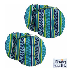 Blazing Needles - Blazing Needles Patterned 16 x 16-inch Round Outdoor Chair Cushions (Set of 4) - Add a touch of style and comfort to outdoor furnishings with the Blazing Needles Set of Four 16 x 16-inch Round Outdoor Chair Cushions. Available in ten patterns,these cushions feature a classic tufted cushion style with ties for easy fastening.