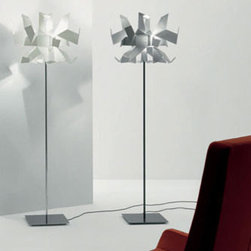GLOW FLOOR LAMP BY PALLUCCO LIGHTING - Glow Floor by Pallucco is a modern architectural floor lamp.