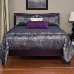 Siscovers - Aurora Silver Gray and Purple Six Piece Queen Duvet Set - - Set Includes: Duvet - 94x98, Two Queen Shams - 30x20, One Decorative Pillow - 16x16, One Decorative Pillow - 26x14  - Duvet Material: 100% Polyester  - Sham Material: 100% Polyester  - Workmanship and materials for the life of the product. SIScovers cannot be responsible for normal fabric wear, sun damage, or damage caused by misuse  - Reversible Duvet and Shams  - Care Instructions: Machine Wash  - Made in USA of Fabric made in China Siscovers - AURO-XDUQN6