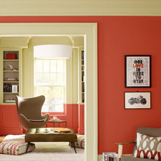 Red-Orange and Gray-Brown Room from Benjamin Moore Color Combo | Apartment Thera