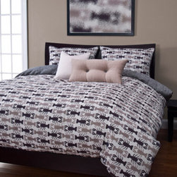 Siscovers - Crustacean Sand Six Piece Queen Duvet Set - - Set Includes: Duvet - 94x98, Two Queen Shams - 30x20, One Decorative Pillow - 16x16, One Decorative Pillow - 26x14  - Workmanship and materials for the life of the product. SIScovers cannot be responsible for normal fabric wear, sun damage, or damage caused by misuse  - Reversible Duvet and Shams  - Care Instructions: Machine Wash  - Made in USA of Fabric made in China Siscovers - CRSA-XDUQN6
