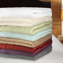 Grand Luxe - Grand Luxe 500 Thread Count Egyptian Cotton Down Alternative Comforter - Relax in comfort with the newest addition to the Grand Luxe collection. The comforter combines an 500 thread count 100-percent Egyptian cotton with a 100-percent bonded polyester.
