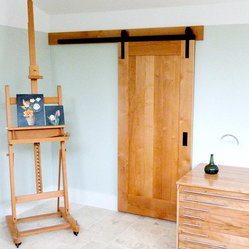 Art studio barn door - Photo Credit: Rob Spruijt of Gershom Fine Art